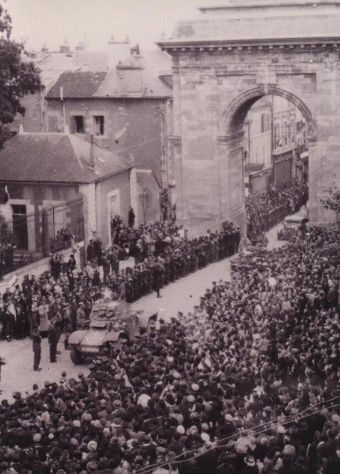 Vehicules recuperes par les FFI -1944 Paris212