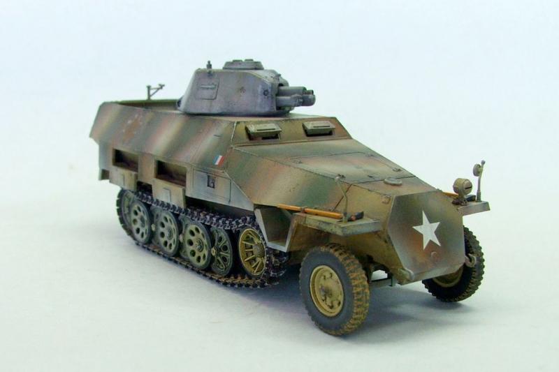 Vehicules recuperes par les FFI -1944 Sdkfz213