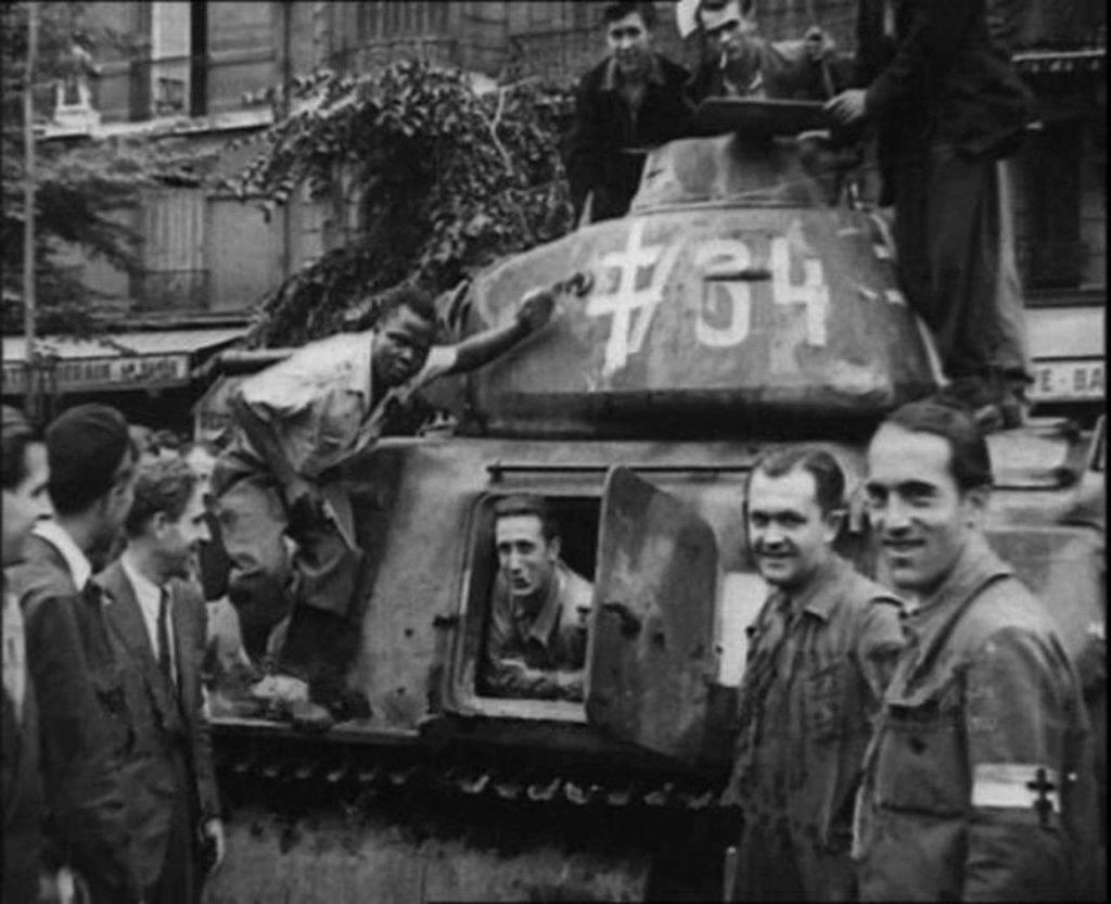 Vehicules recuperes par les FFI -1944 Somua10