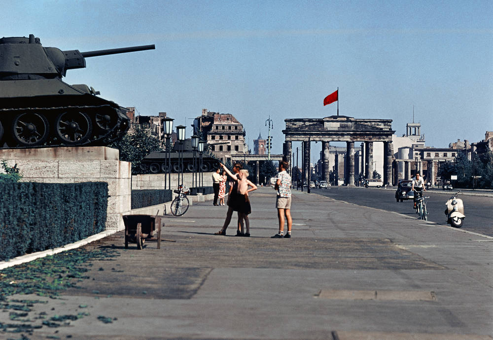 Mémorial soviétique de Tiergarten T34-7610