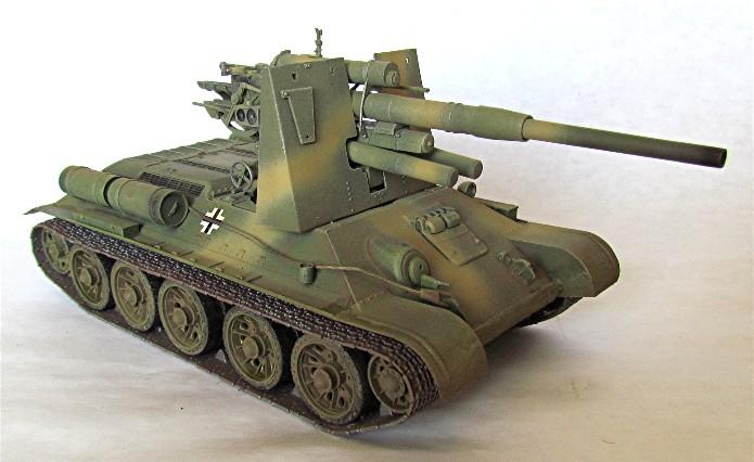 Le T34-85 Beute a canon 8.8cm allemand  (2012) T34-8812