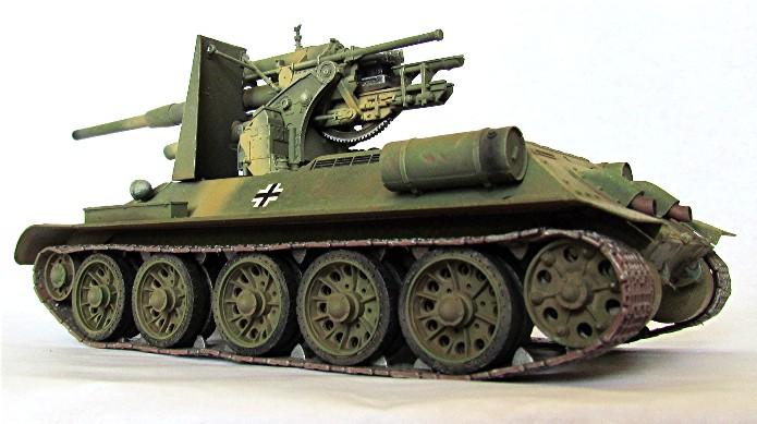 Le T34-85 Beute a canon 8.8cm allemand  (2012) T34-8813