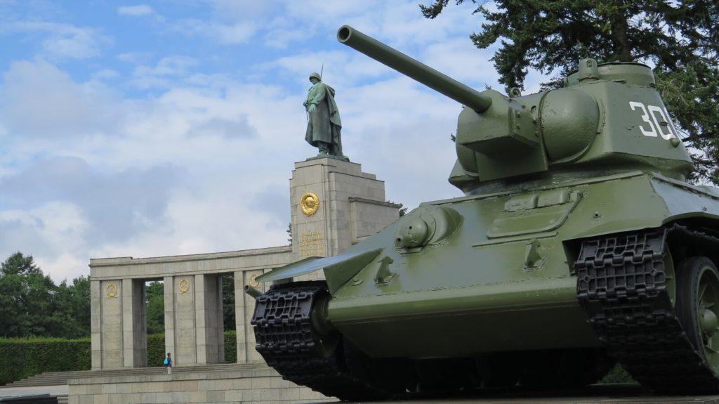 Mémorial soviétique de Tiergarten Tierga10