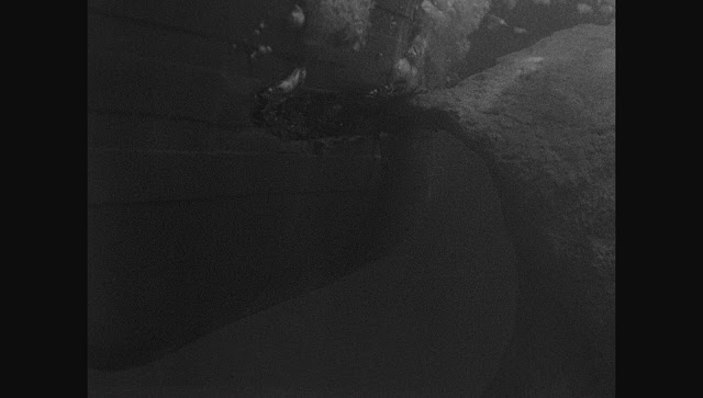 Photos navires insolites - Page 13 Titani12