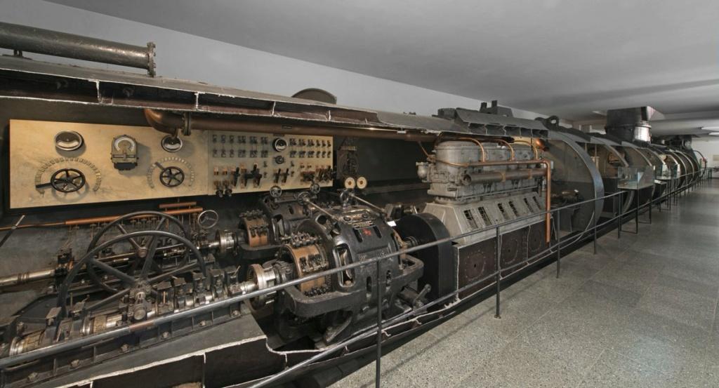 Des photos du V-143, un sous-marin russe en service de 1960  U110