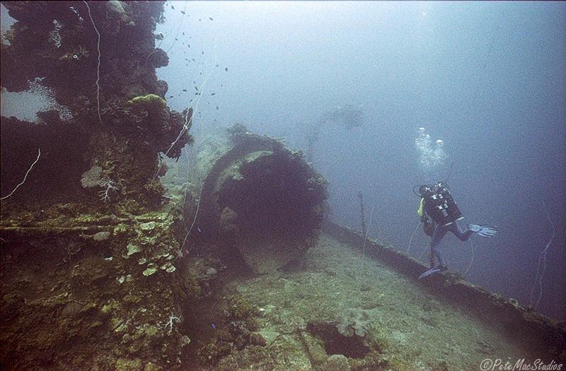 Micronesie,l atoll de Truk - Page 3 Unkair10