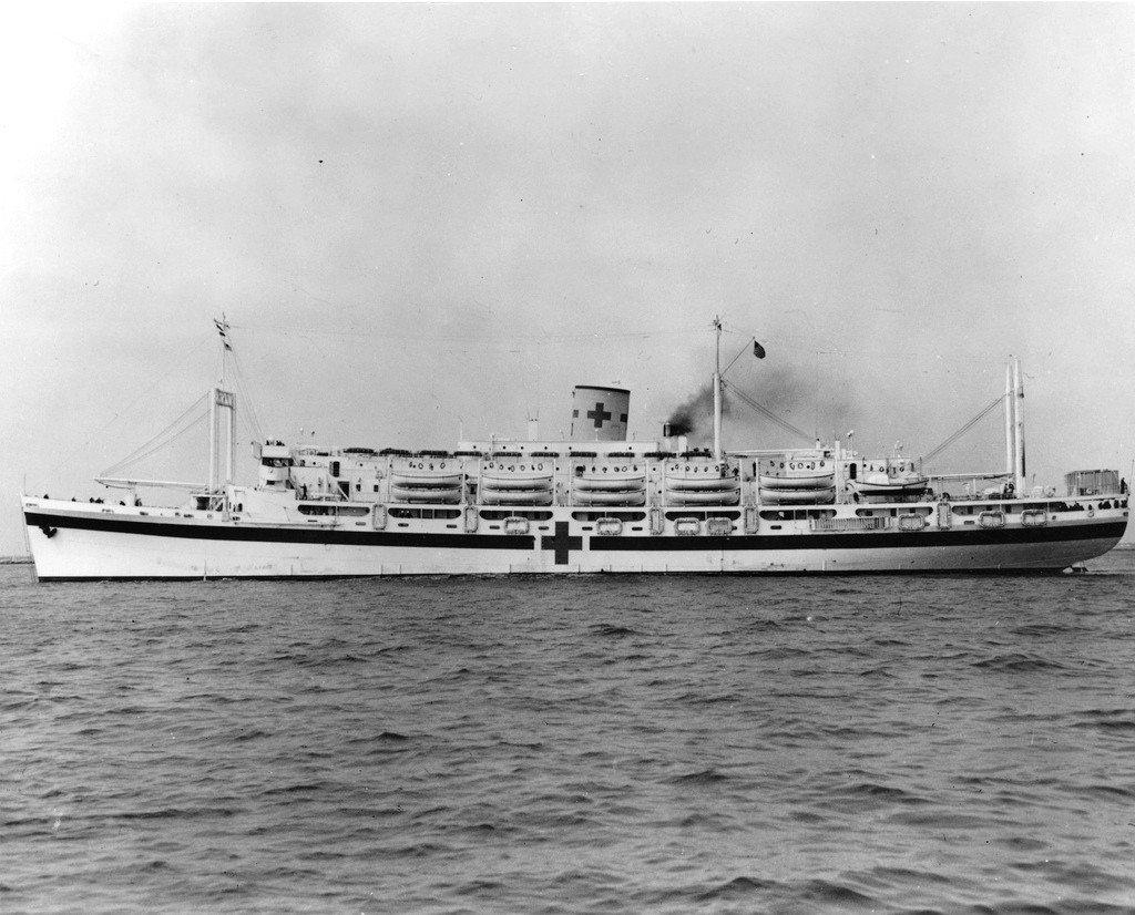 Navires US endommages par des kamikazes Uss_co14
