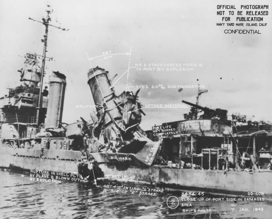 Navires US endommages par des kamikazes Uss_ga12