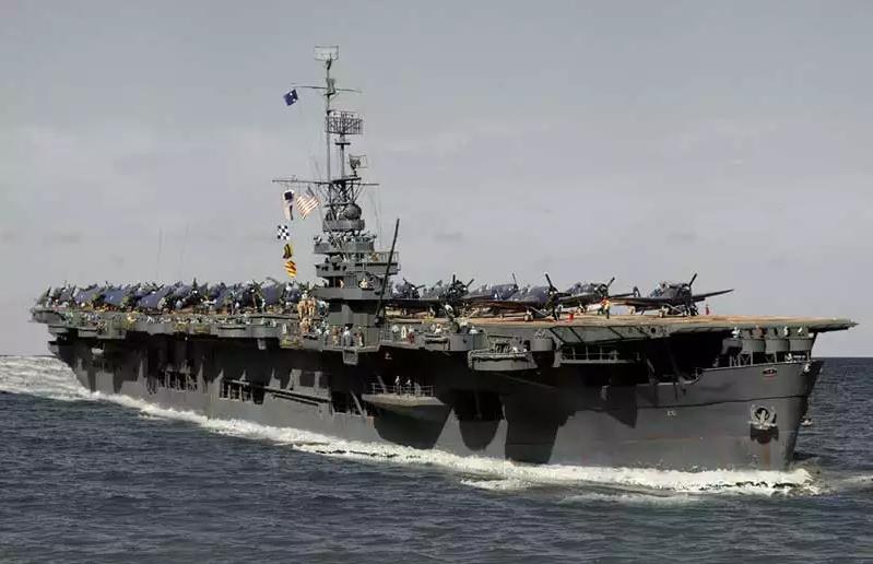 Porte-avions CVL ′′ USS Sangamon ′′-1/72e Uss_sa12