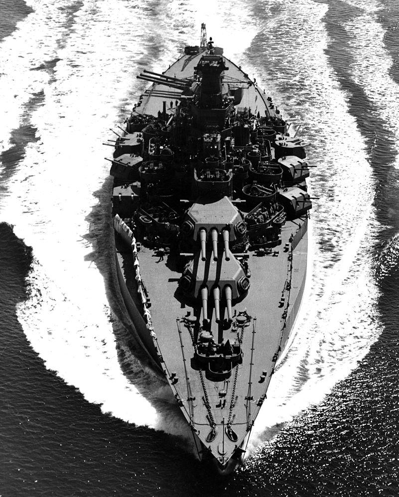 Navires US endommages par des kamikazes Uss_te10