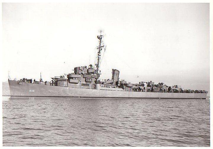 Navires US endommages par des kamikazes Witter10