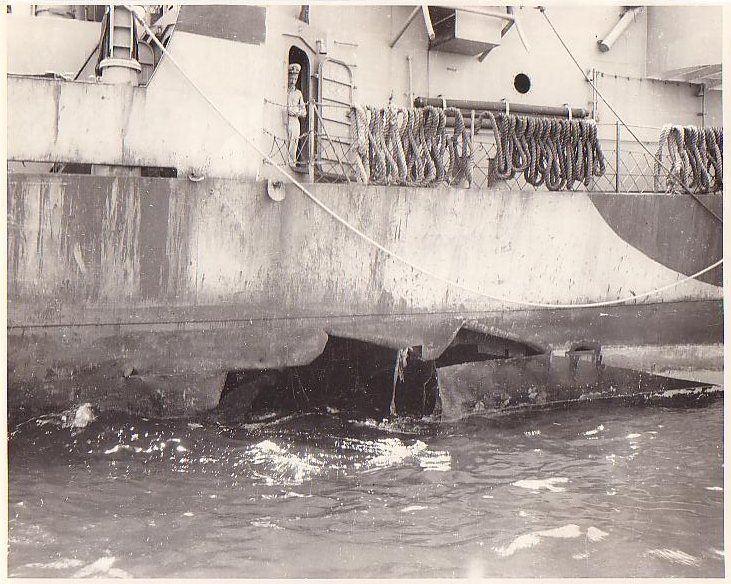 Navires US endommages par des kamikazes Witter11