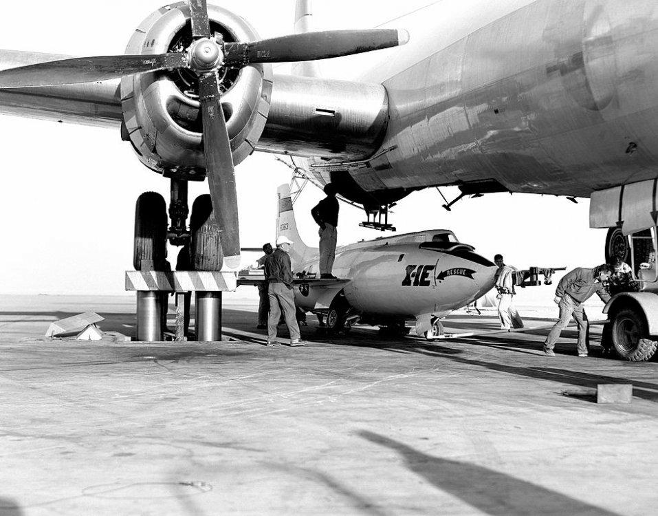 Avions insolites - Page 22 X-1e_l10