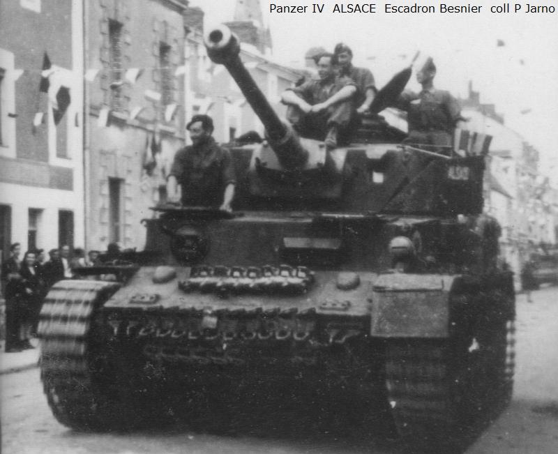 Vehicules recuperes par les FFI -1944 Z025