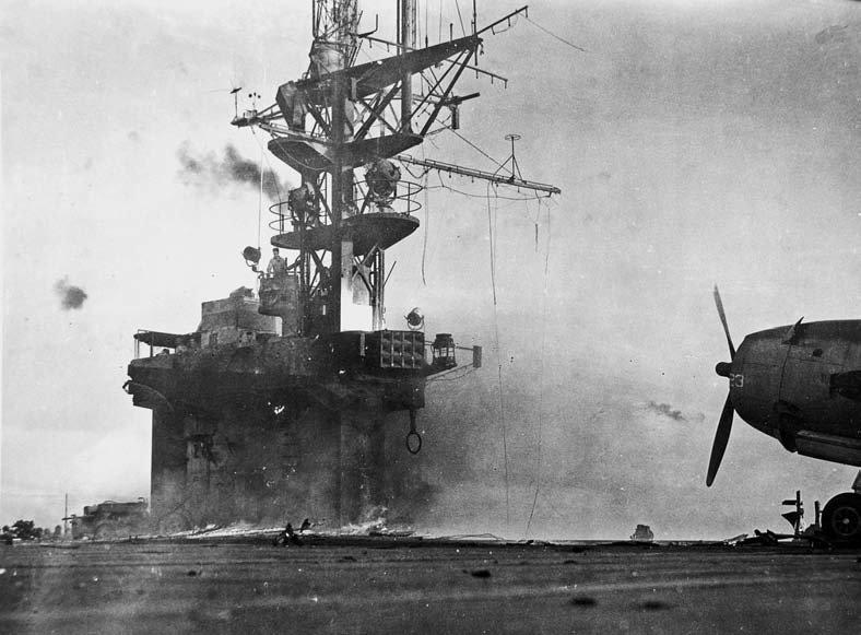Porte-avions US et Kamikazes - Page 2 Z144