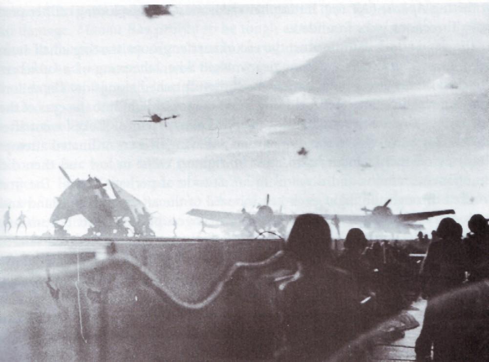 Porte-avions US et Kamikazes - Page 2 Z146