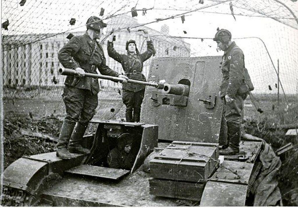 Bataille de Léningrad - Page 2 Z271