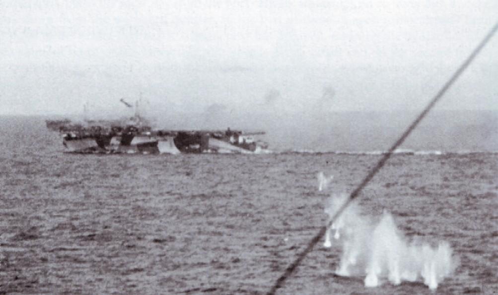 Porte-avions US et Kamikazes - Page 2 Z313