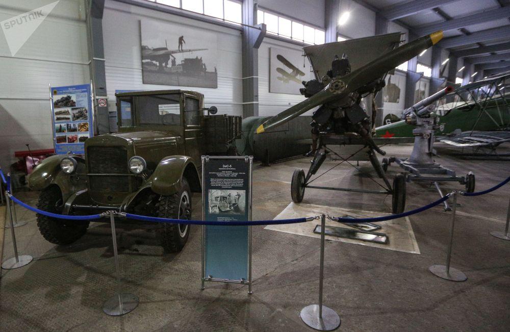 Musée de l'aviation de la flotte du Nord Zis-5_10