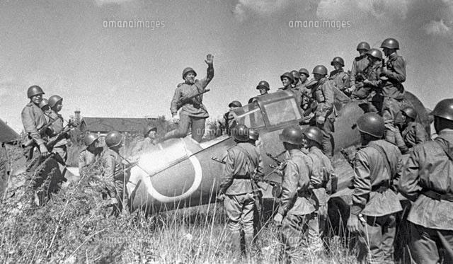 Kamikazes japonais sur blindes sovietiques Zz213