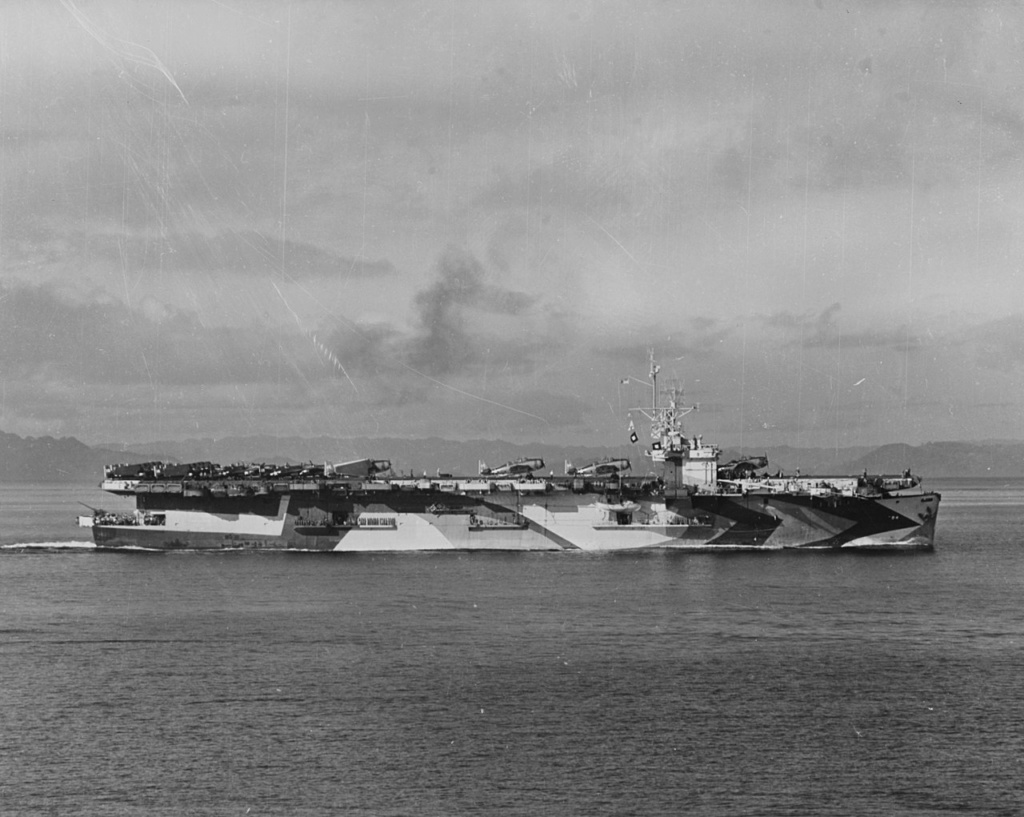 Porte-avions US et Kamikazes - Page 2 Zz71