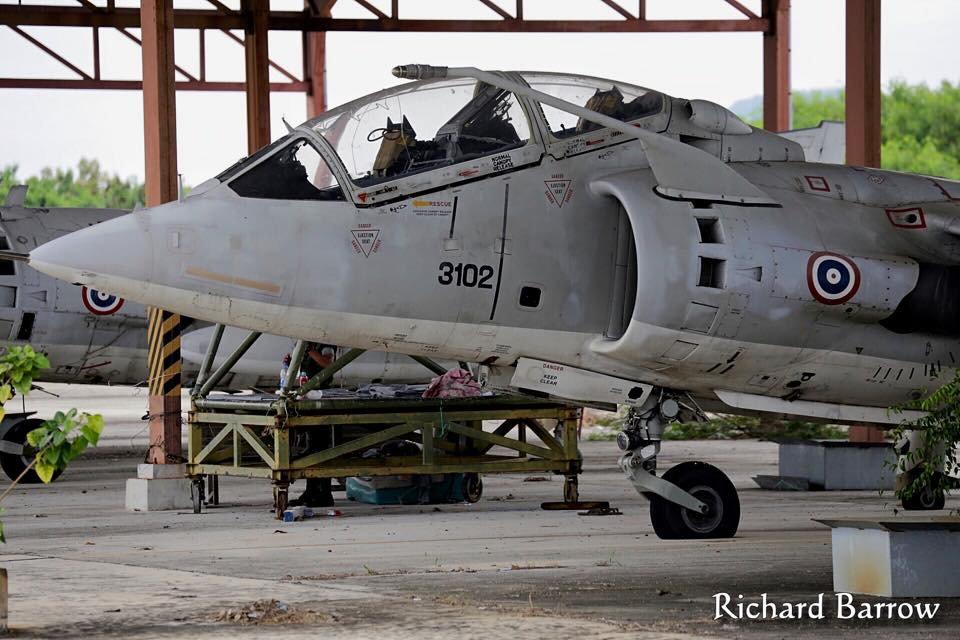 Epaves vieux avions en Thailande Zz_har10