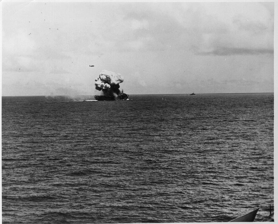 Porte-avions US et Kamikazes - Page 2 Zzxx11