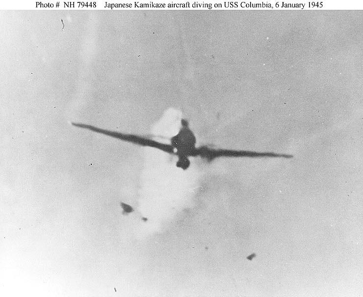 Navires US endommages par des kamikazes Zzz112