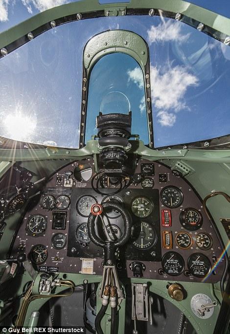 Spitfire magnifiquement restaure Zzz146