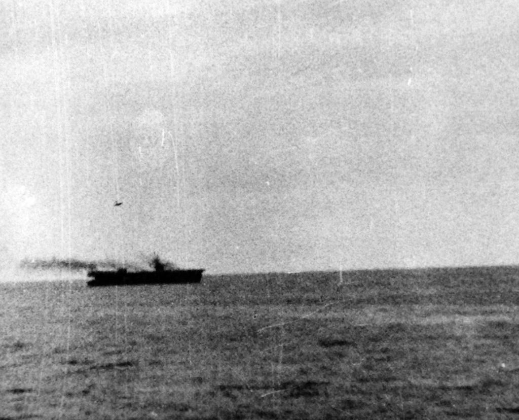 Porte-avions US et Kamikazes - Page 2 Zzzv10