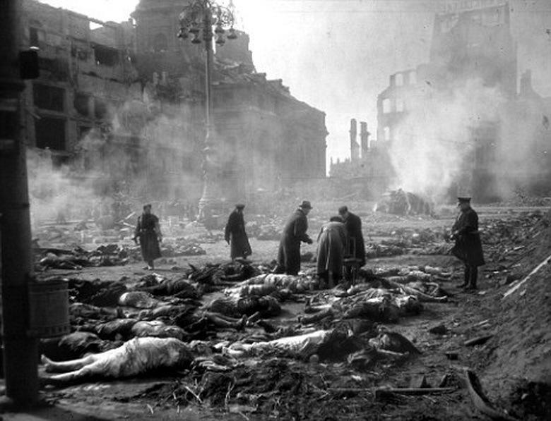 Destruction de Dresde  13-14 février 1945  (2012) Zzzz1068