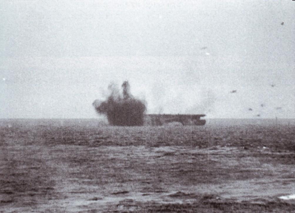 Porte-avions US et Kamikazes - Page 2 Zzzzn10