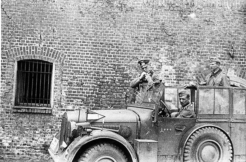 Les vehicules de Commandement de Rommel Zzzzz587