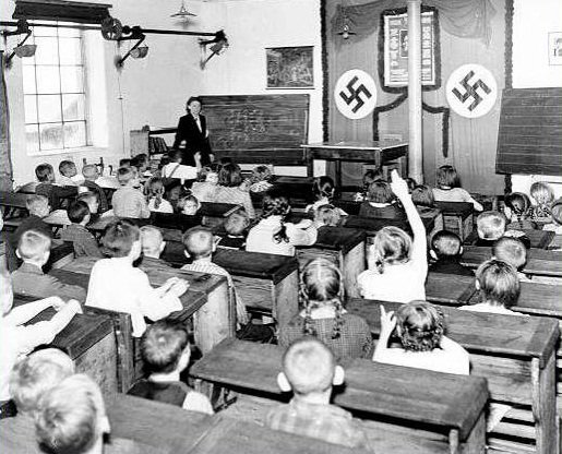 Les manuels scolaires nazis Zzzzz858