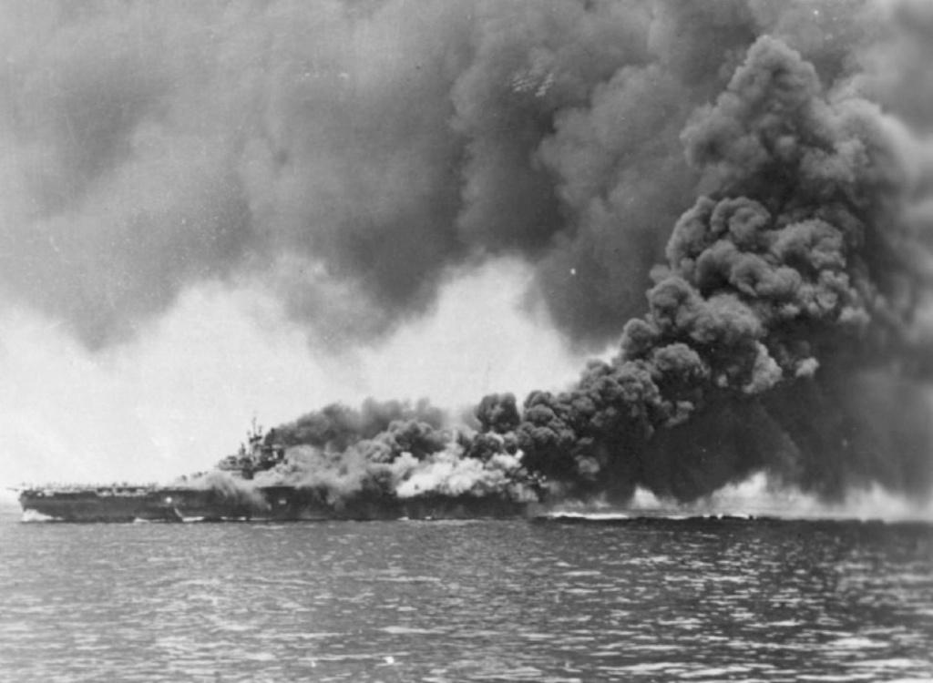 Porte-avions US et Kamikazes - Page 2 Zzzzzz30