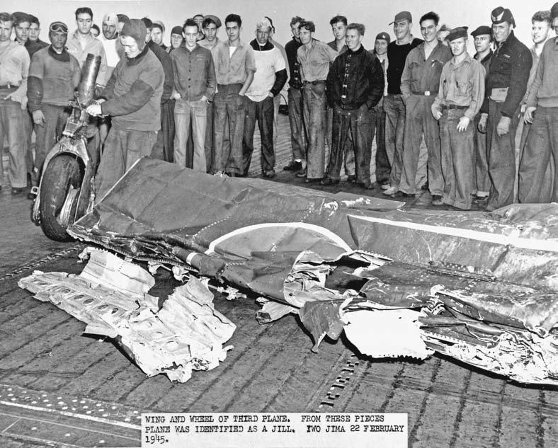 Porte-avions US et Kamikazes - Page 2 Zzzzzz42