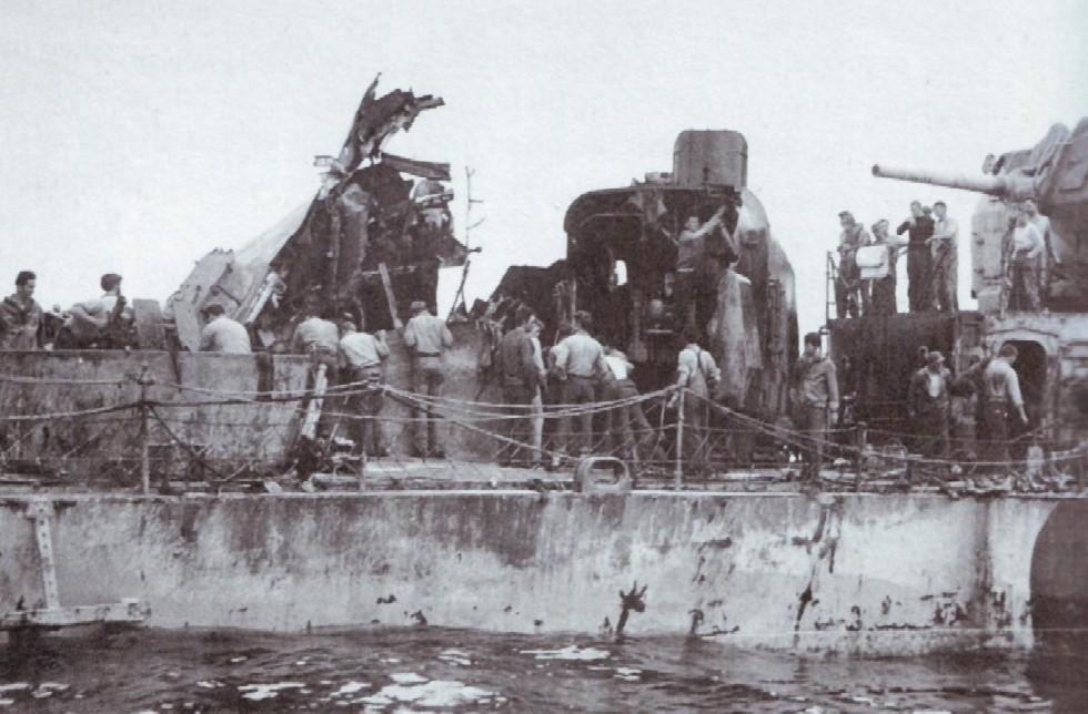 Navires US endommages par des kamikazes Zzzzzz62