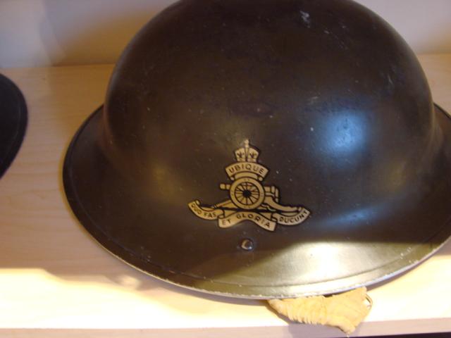 WW II Canadian Helmets Helm_022