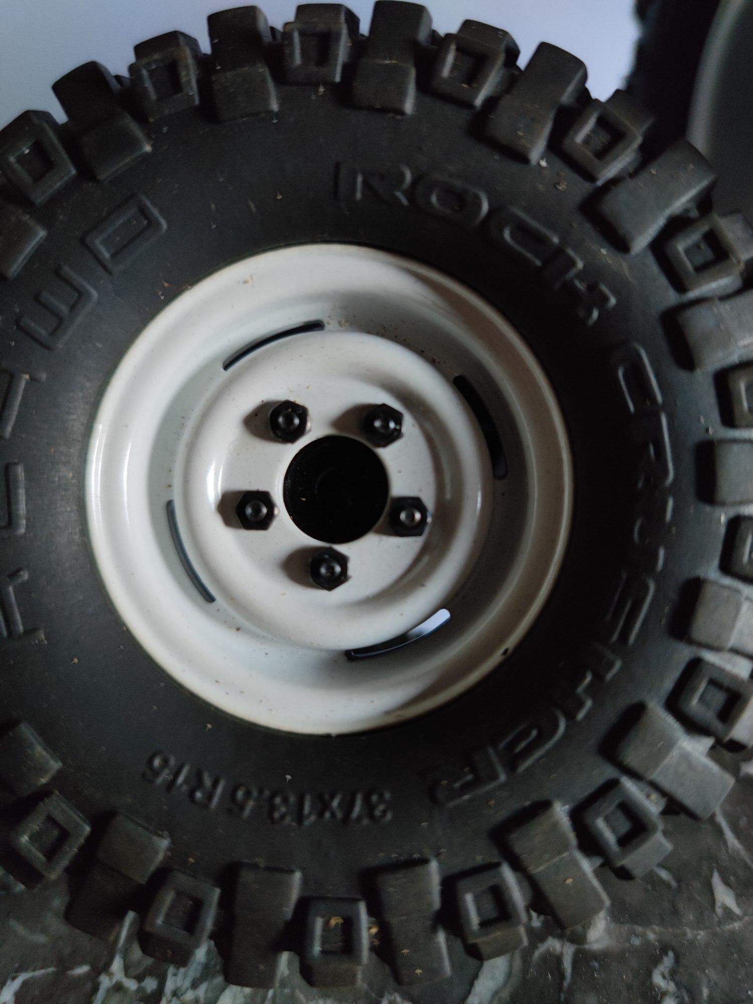 """[VENDS] 4 roues complètes RC4WD en 1,55"""" (Scale/crawler) 16265412"""