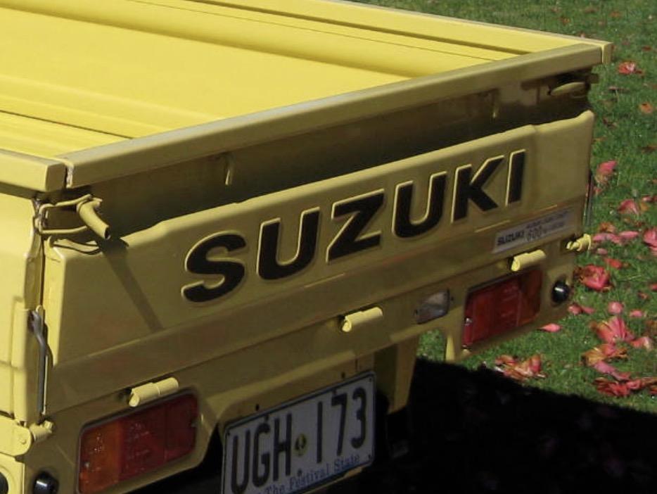 Un énorme camion de plus, le WPL D12 Suzuki Carry 1/10... Captu231