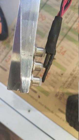Fabrication de remorque double essieux fait maison tout en alu - Page 2 Img_2044