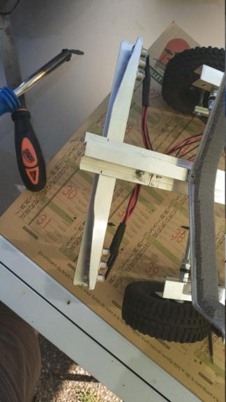 Fabrication de remorque double essieux fait maison tout en alu - Page 2 Img_2046
