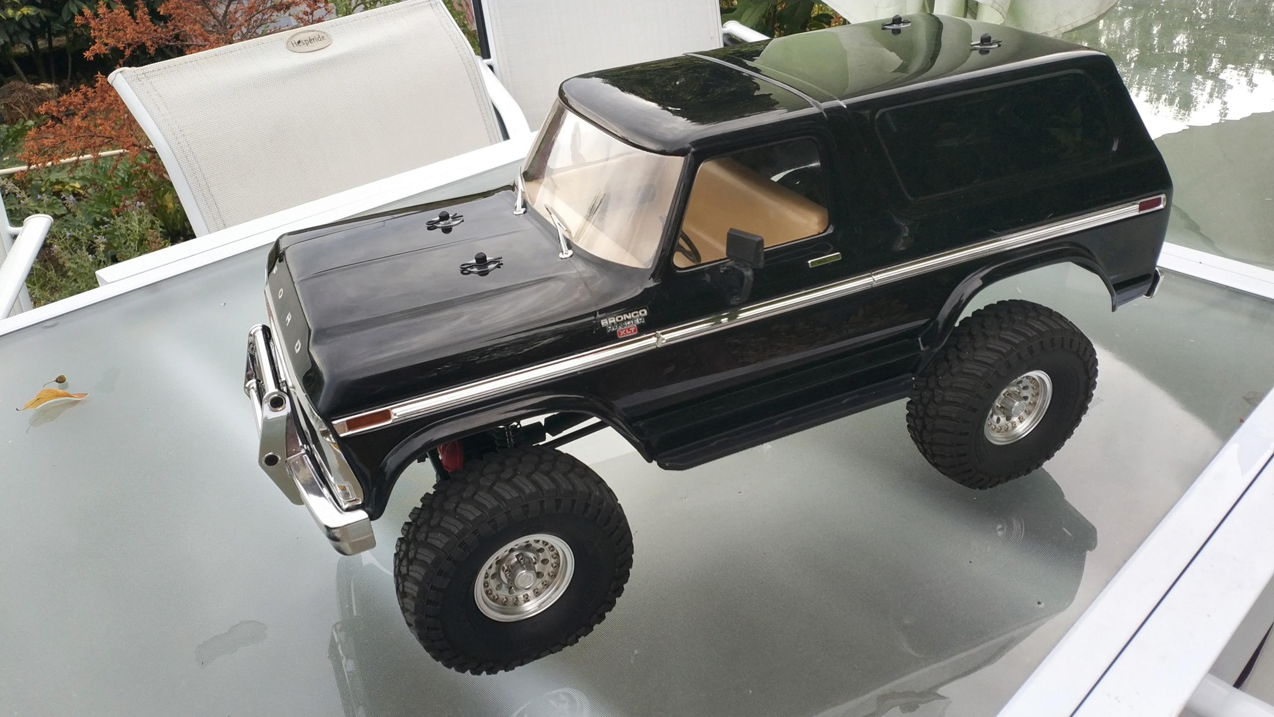 Le TRX4 Bronco du seigneur...  :-) Img_2366