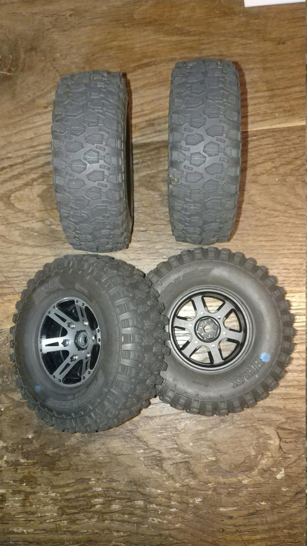[VENDU] 4 pneus Proline Hyrax Predator 1.9 en 106mm.  Img_2691