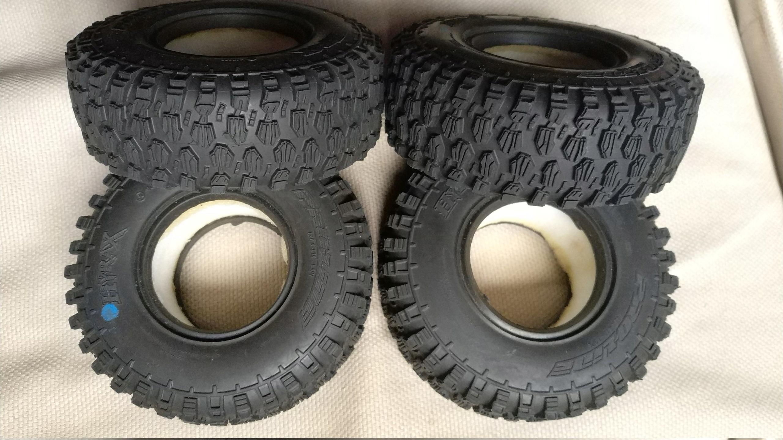 [VENDU] 4 pneus Proline Hyrax Predator 1.9 en 106mm.  Img_2697