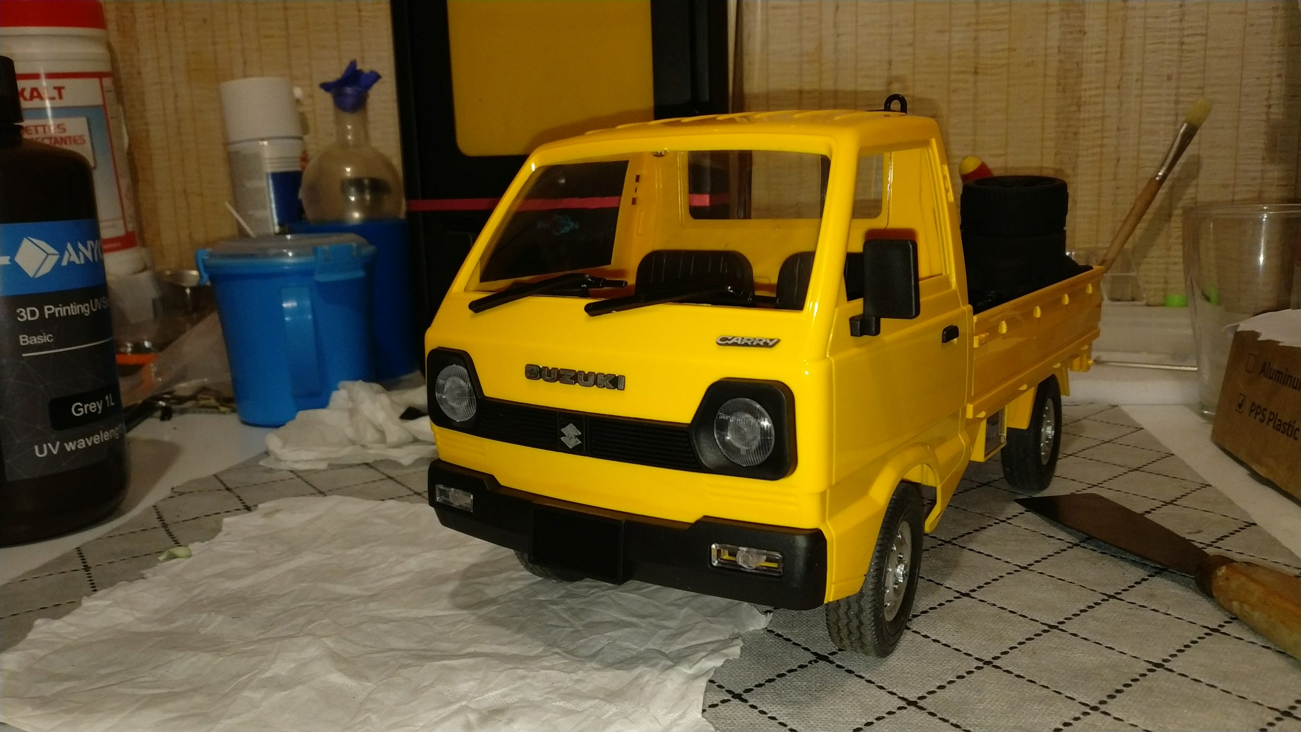 Un énorme camion de plus, le WPL D12 Suzuki Carry 1/10... Img_2734