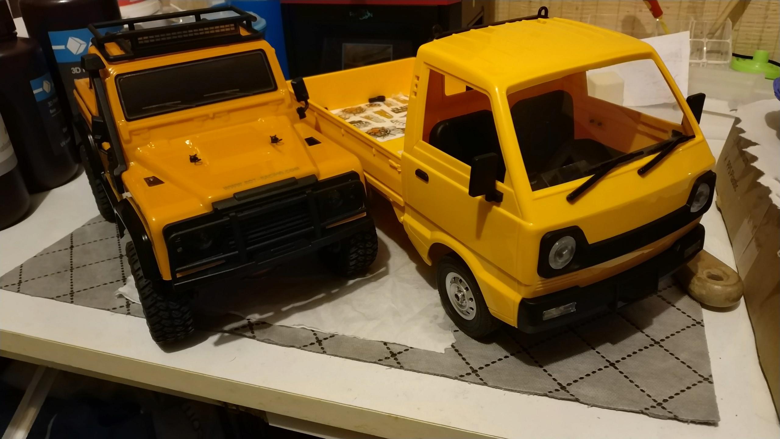 Un énorme camion de plus, le WPL D12 Suzuki Carry 1/10... - Page 2 Img_2744