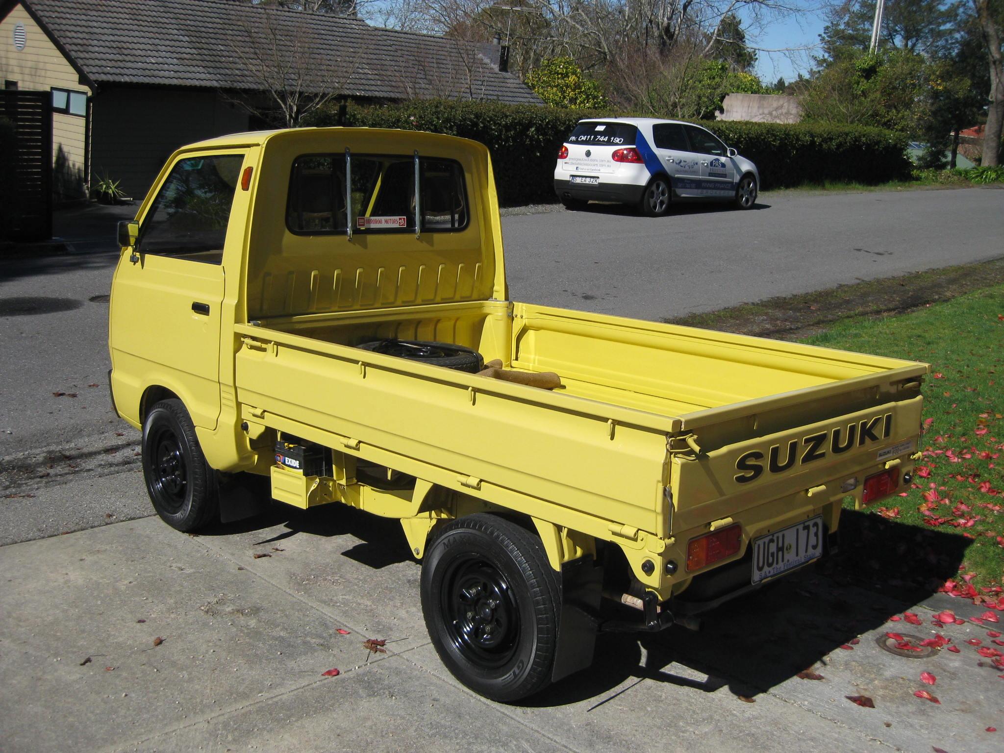 Un énorme camion de plus, le WPL D12 Suzuki Carry 1/10... - Page 2 Img_2810