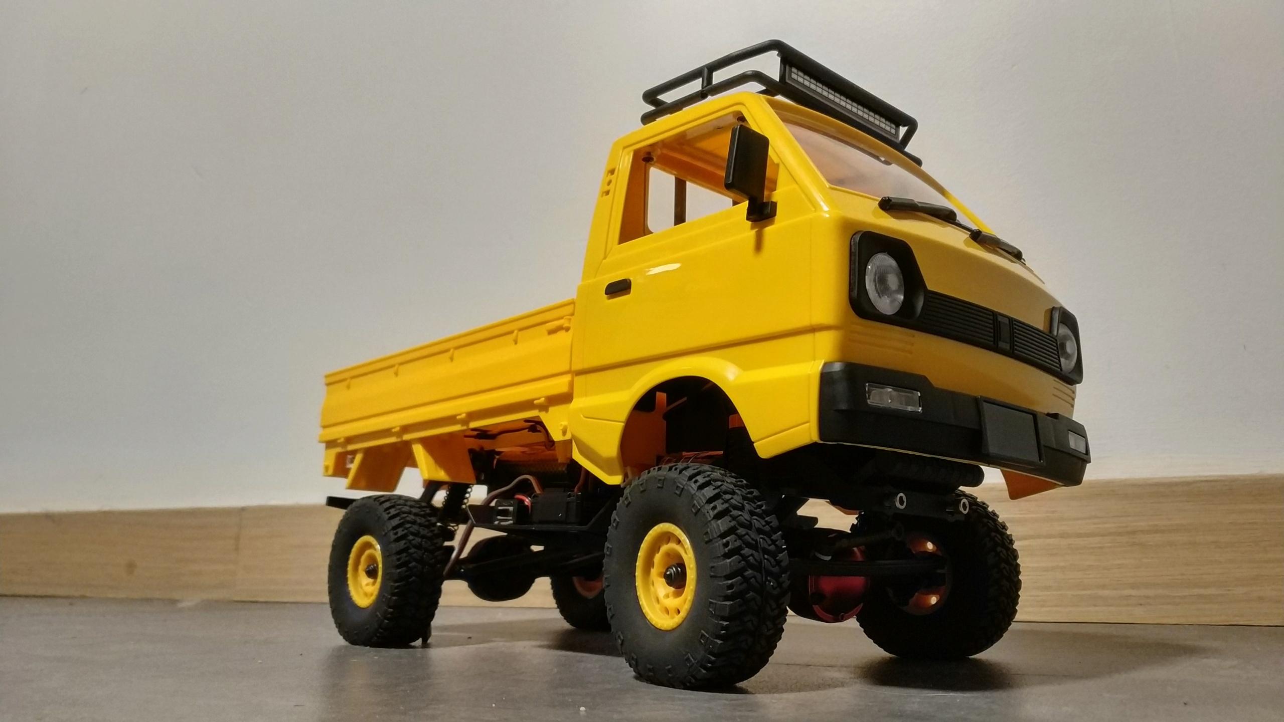Un énorme camion de plus, le WPL D12 Suzuki Carry 1/10... - Page 3 Img_2851
