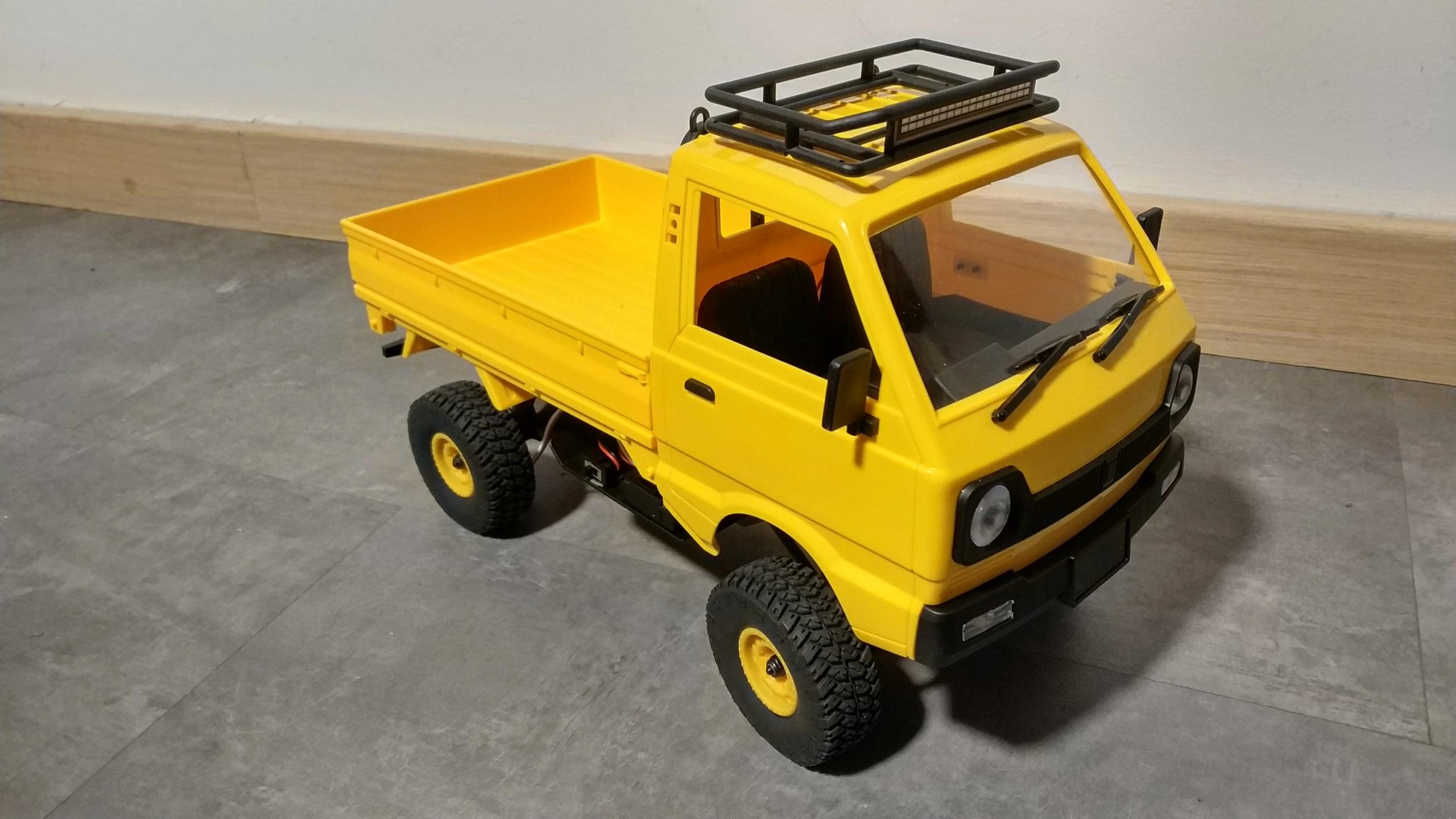 Un énorme camion de plus, le WPL D12 Suzuki Carry 1/10... - Page 3 Img_2852